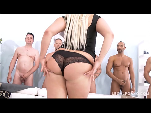 40 New Sex Pics Sexy big booty shemale